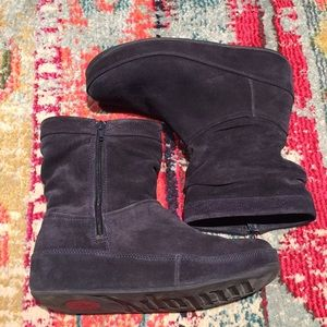 FitFlop Bluish Gray Suede Booties Size 8 - 9
